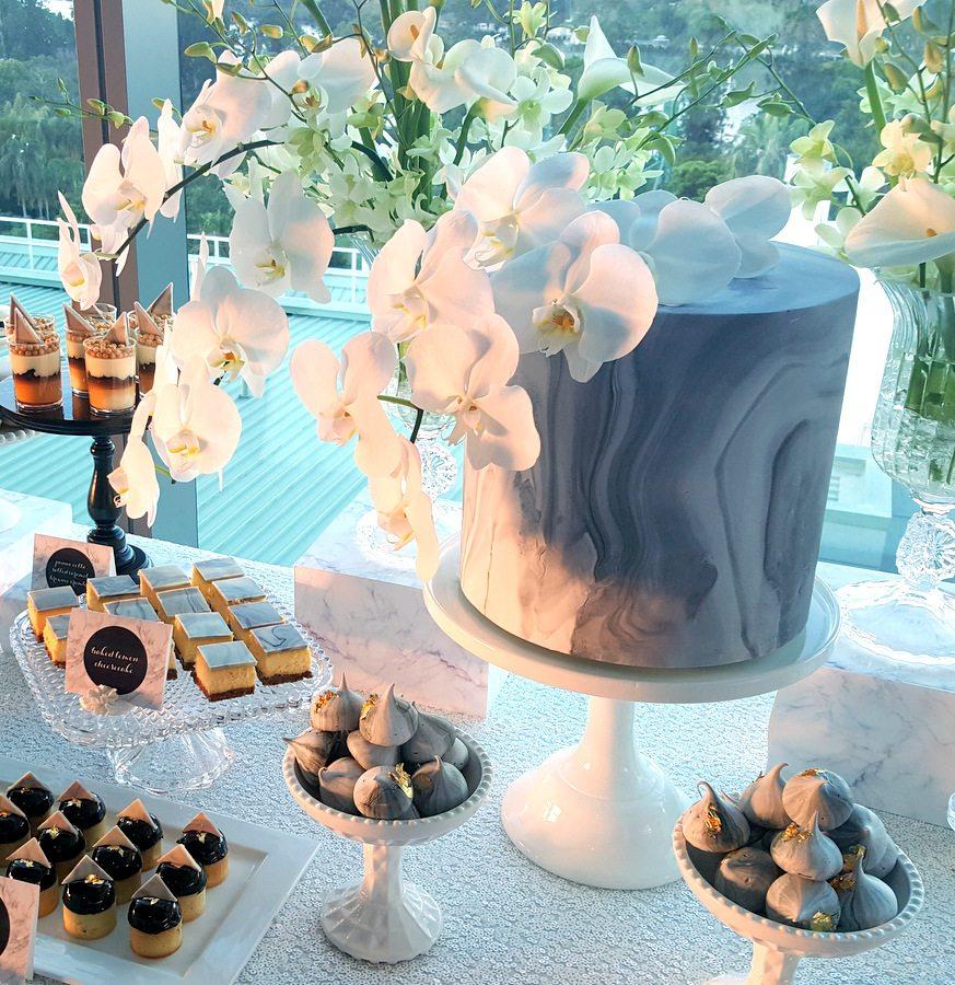Marble Theme Dessert Table