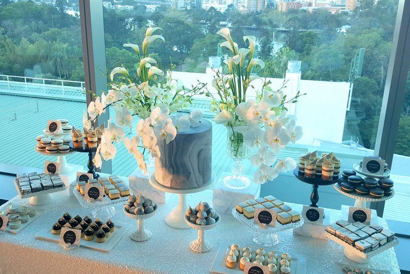 marble dessert table (3)
